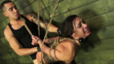 Luscious brunette with nice boobs Isa Mendez gets schooled in bondage