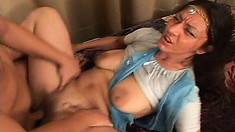 Cougar from India gets her snatch stretched by young white guy