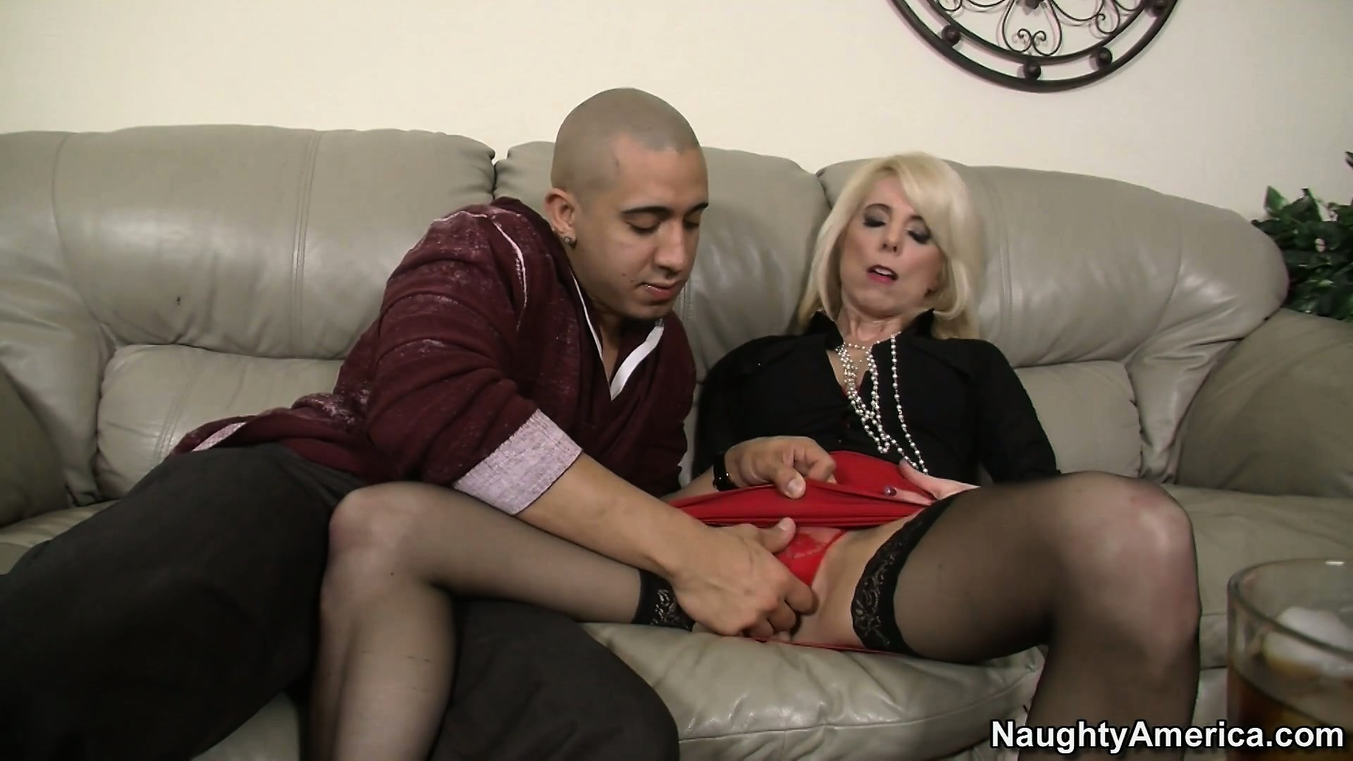 Dick sucking porn photo featuring bruno dickemz and jodie stacks