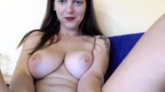 amateur arwyn flashing boobs on live webcam