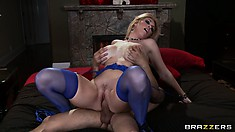 Hot busty blonde Belle spreads wide to take his rod deep inside